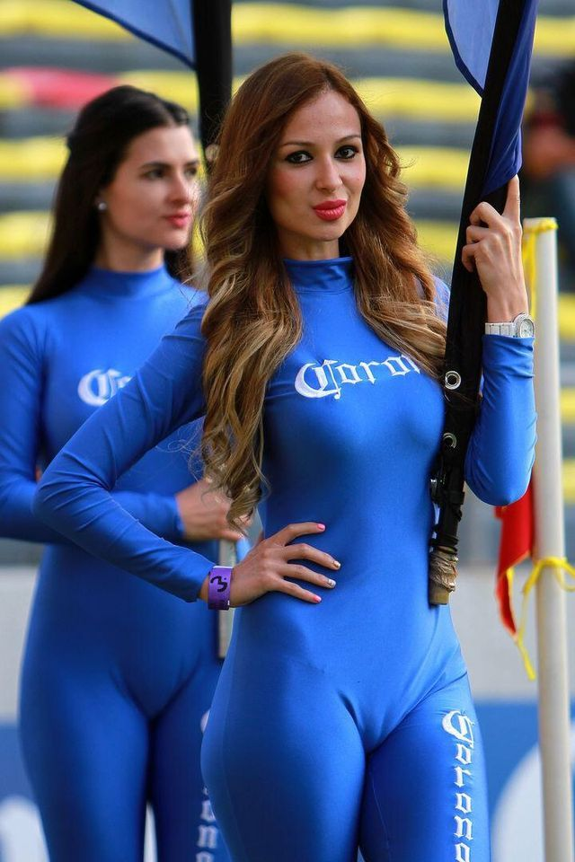 pit stop babes camel toes
