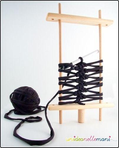 Knit Crochet Hairpin Tutorial http://www-en-rhed-ando.blogspot.com/ (Translate)