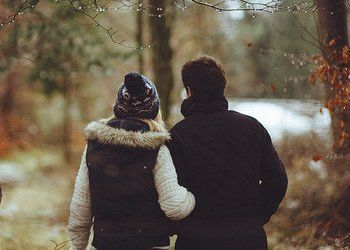 Depois que eu te conheci as coisas da vida começaram a ter sentido. Hoje eu vejo amor em todas as partes mesmo quando não tem amor. Quando eu falo sobre você todos percebem através dos meus olhos o quanto eu amo você e o quanto esse amor aqui dentro é maior do que tudo que eu já senti. É tudo tudo tão intenso que todos os dias meu coração transborda e todos os dias eu sinto uma vontade imensa de estar ao seu lado, só para te fazer o cara mais feliz desse mundo.
