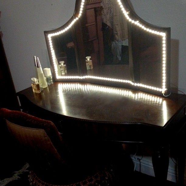 lighted vanity mirror makeup organization vanities pinterest best lighted vanity mirror. Black Bedroom Furniture Sets. Home Design Ideas