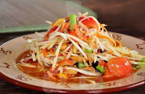 Green Papaya Salad | Thai Recipe (Som Tom Ma La O) http://chefleez.com Thai cooking class in Bangkok
