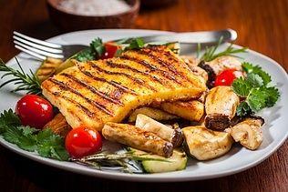 Sommertid er grilltid, grillet ost med grøntsager er en af de bedste retter. Retten mætter og har masser af smag med både hvidløg, chili, citron.