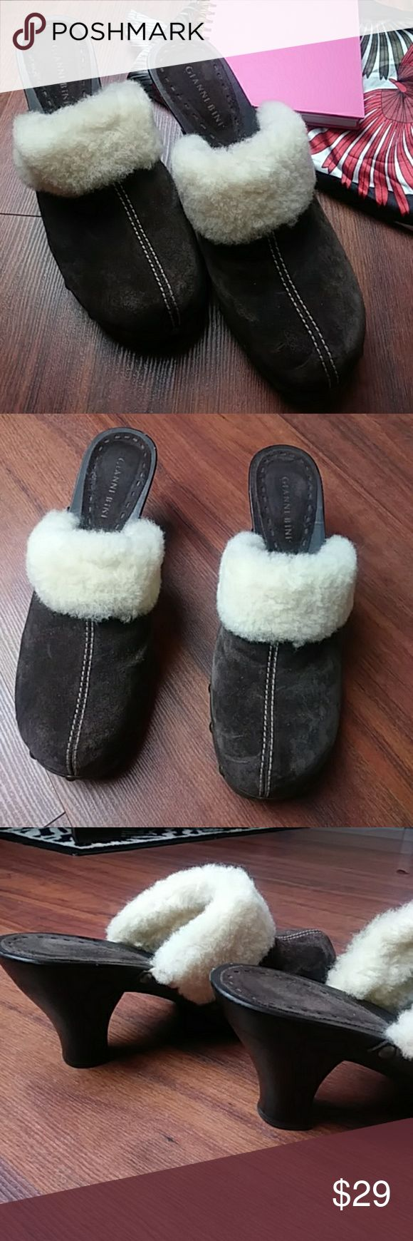 Gianni Bini Mule Fur Lined Clogs Leather Shoe NWOT Gianni Bini Mule Fur Lined Clogs  Size 10 Leather Shoe New with out tag Excellent condition Gianni Bini Shoes Mules & Clogs