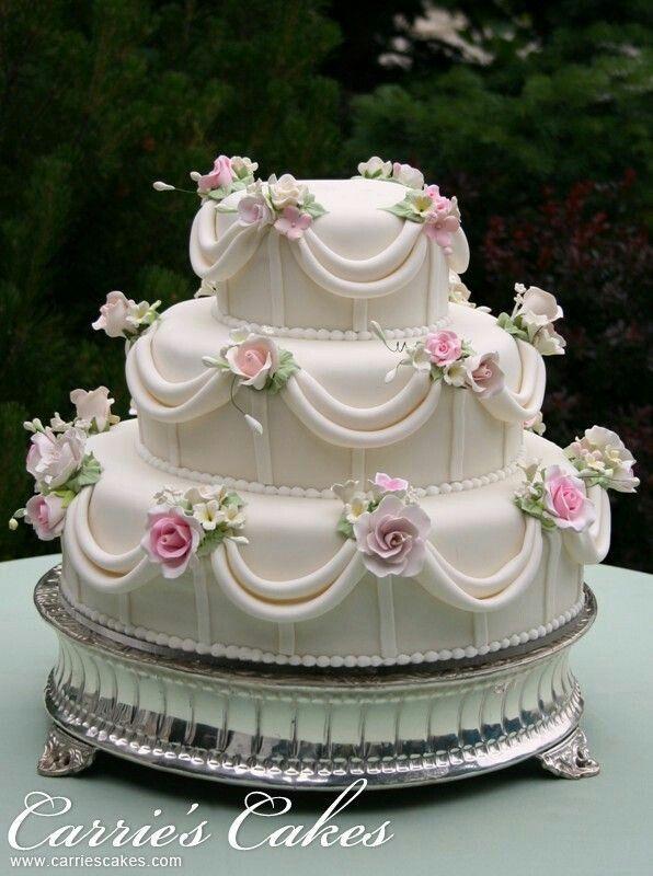 Dort marcipánový * svatební - zdobený růžemi.