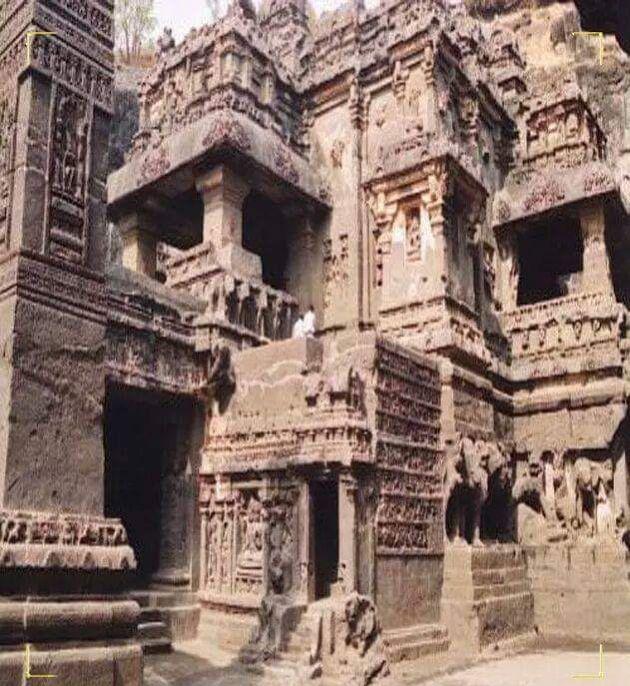 من بقايا قوم عاد وثمود هل تعلم معلومات معلومة معلوماتك قوم اثار تاريخ قصة اسلام قران Iram Of The Pillars Dark Places Landmarks
