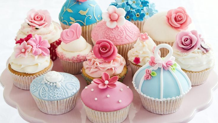 #cupcakes #color #pink #blue #red #roses #sugar #love
