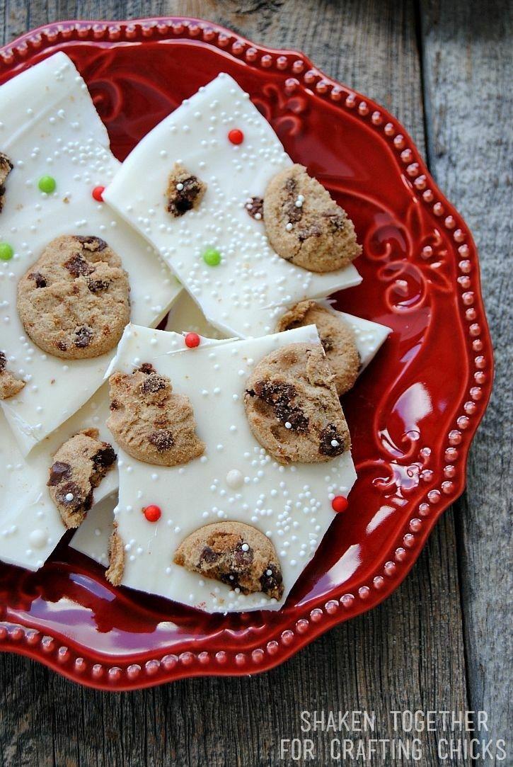 Milk  Cookies Bark (No Bake Christmas Treat!) Recipe Foods