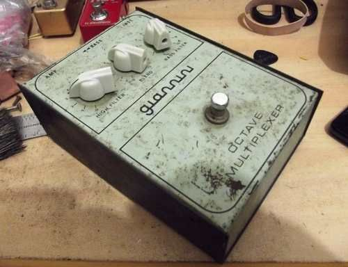Pedal vintage Giannini octave multiplexer (antigo)