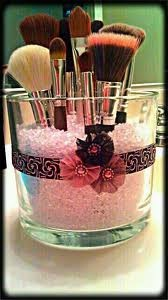 What a cute idea! filling a glass vase with pink pebbles and add a fun ribbon to make this beautiful cosmetic brush holder!!!: Brushes Holders, Cute Ideas, Makeup Brushes, Glasses Jars, Hot Glue Guns, Make Up Brushes, Diy, Makeup Brush Holders, Small Flowers