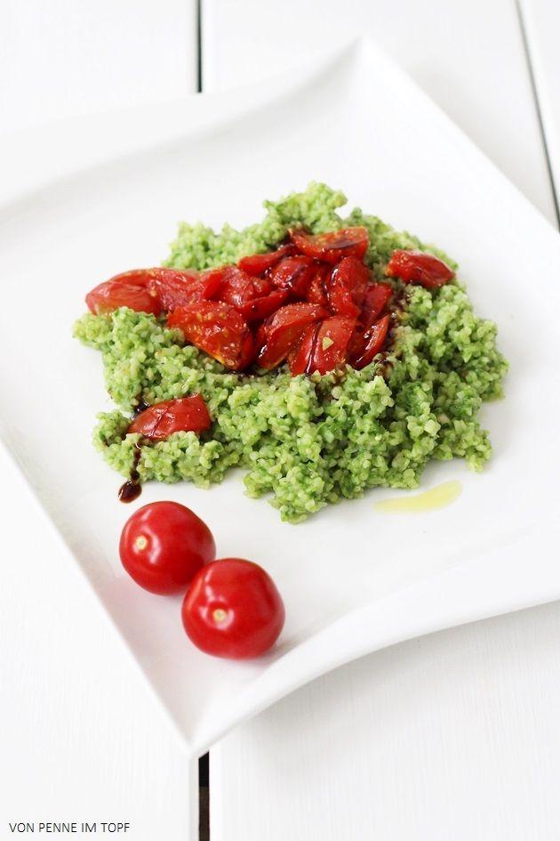 Penne im Topf: Bulgur mit Spinat-Pesto und geschmolzenen Kirschtomaten