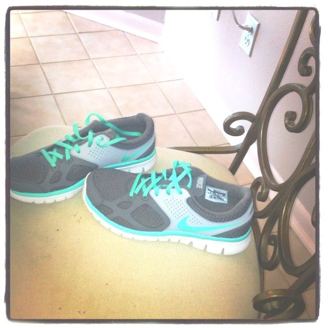 #nike #shoes, on the real cheap! i want this #Tiffany #Blue #Nikes