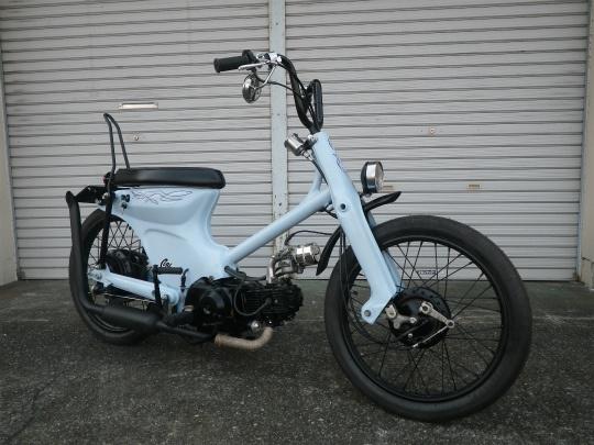 """Conerod Deuce #6"" Super Cub custom by Cone Custom Bike, Japan"
