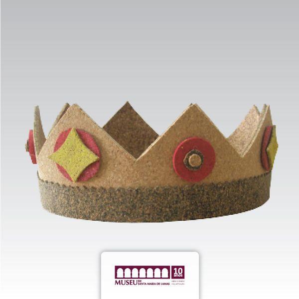 Coroa em cortiça alusivo a Viagem Medieval