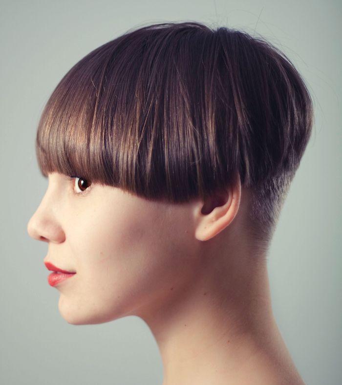1001+ idées   Coupe cheveux visage ovale, Coiffure visage ovale, Cheveux de bobs