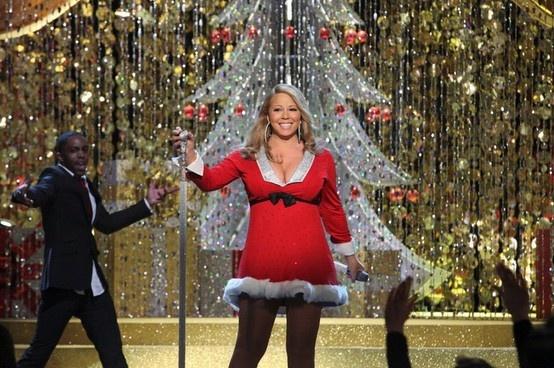 """Mariah Carey performs on the """"Mariah Carey Merry"""