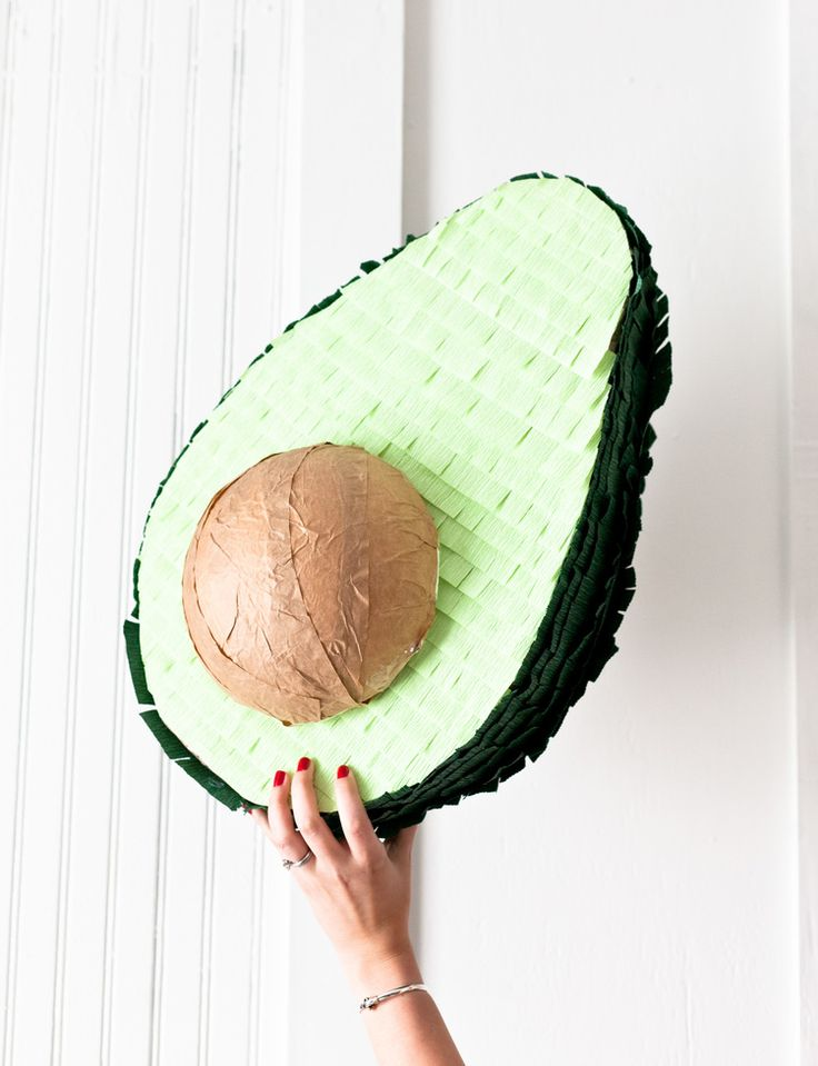 Avocado Piñata DIY: cinco de mayo party | Pinterest: Natalia Escaño