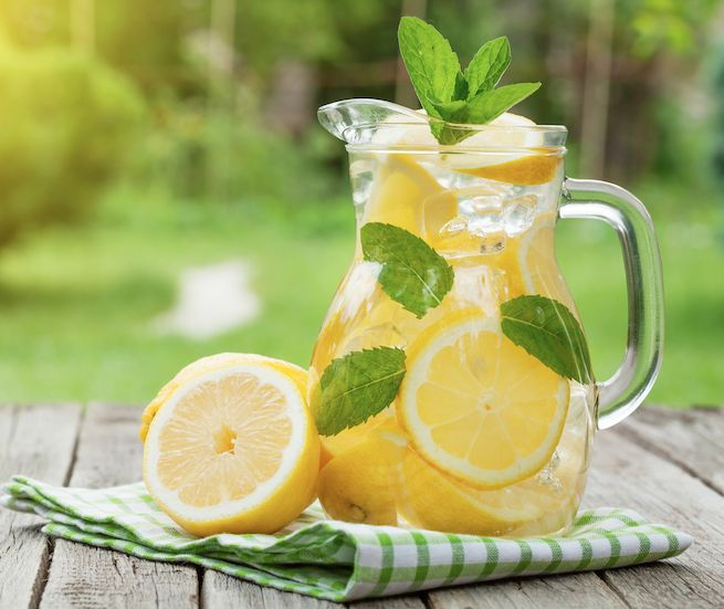 6 Herbs and Foods for Gentle Detox
