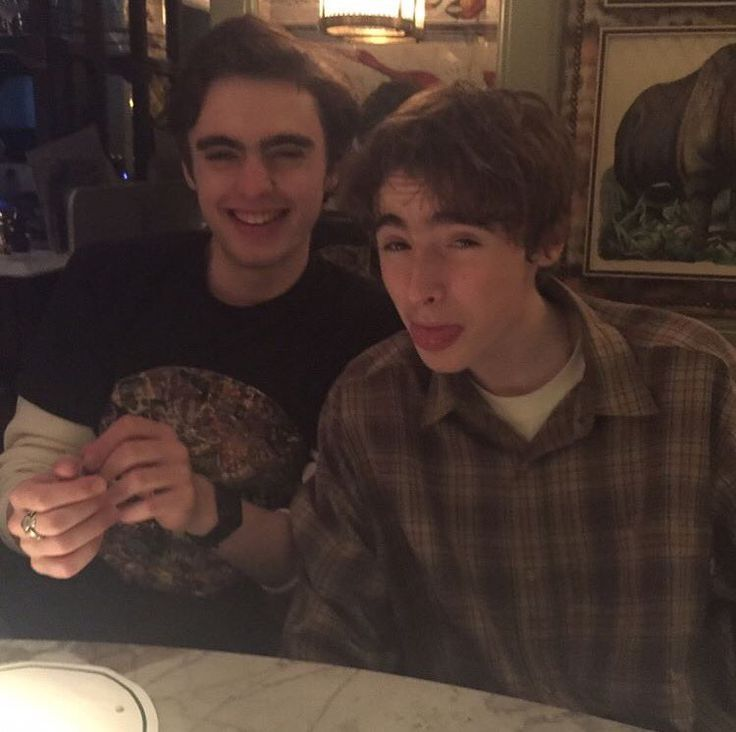 Lennon and Gene Gallagher sons of Liam Gallagher from oasis