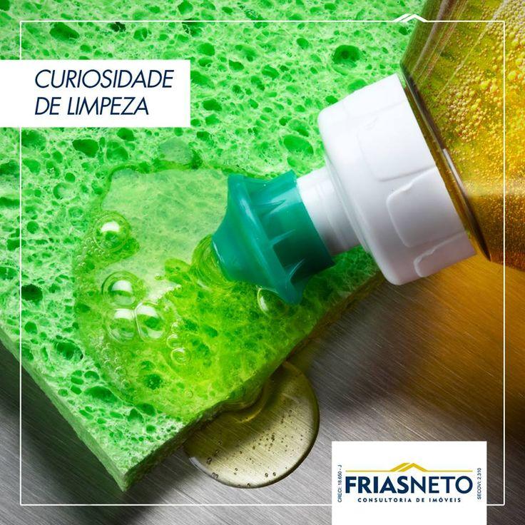 Vamos fazer um teste? Acrescente algumas gotas de vinagre ao seu detergente e misture bem. O intuito é potencializar o poder de desengordurar do detergente e proporcionar um brilho a mais às louças e panelas.  Fonte: Bolsa de Mulher