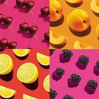 JUICY SHAKER - LANCÔME vincitore Premio Makeup Prix d'Excellence de la Beauté Italie 2017!  Perché è stato eletto: un nuovo capitolo nella storia dei cushion che inaugura un gesto inedito quello dello shaker. Un trucco labbra rivoluzionario che si ispira nella formula e nel pack al celebre strumento nato nel 1946 con la moda dei cocktail. Prima dellapplicazione si agita per fondere i pigmenti puri con gli oli idratanti che fanno scivolare un colore brillante e ammorbidiscono le labbra. I…