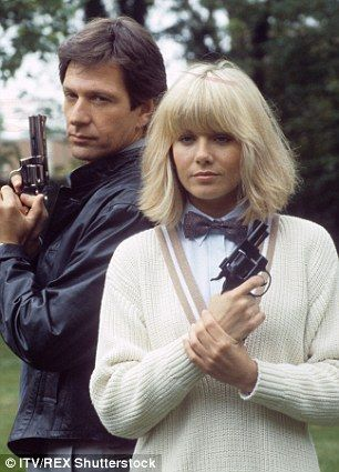 So Glynis, how HAVE you barely aged in 30 years? By avoiding water, skipping breakfast - and not succumbing to the nip-tuck knife, insists the Dempsey and Makepeace star | Daily Mail Online