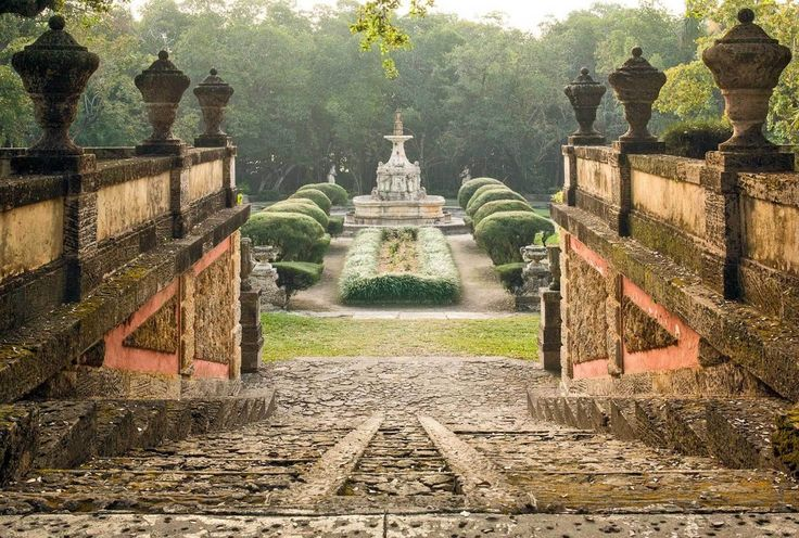 I'm becoming obsessed with this website.... Best Wedding Venues: CALIFORNIA WEDDING VENUES (Photo: Vizcaya Museum and Gardens)