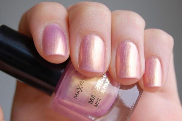 Max Factor Max Effect Mini Nail Polish - 05 Sunny Pink #nailpolish
