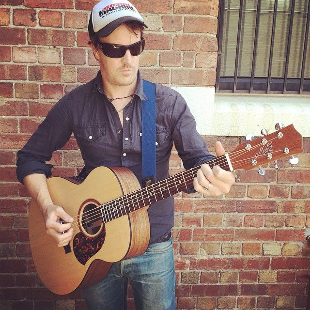Chris Cheney from The Living End with his new Maton #Jumbo #Acoustic #Guitar.