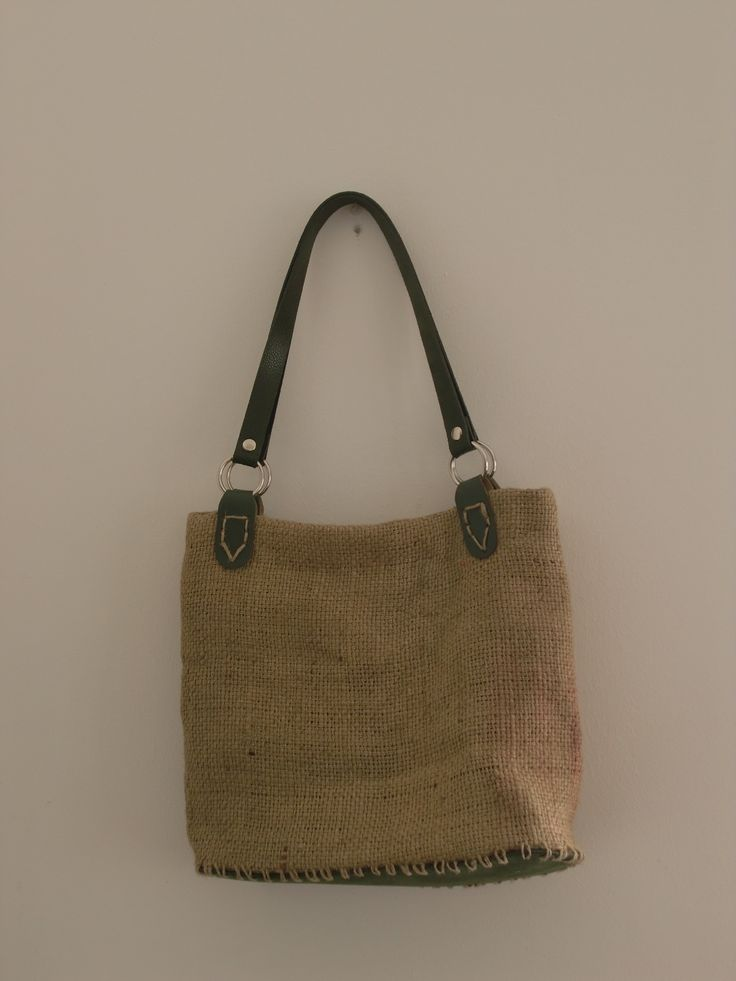 Borsa di juta con doppio manico in pelle verde - Juta bag with 2 green leather handels