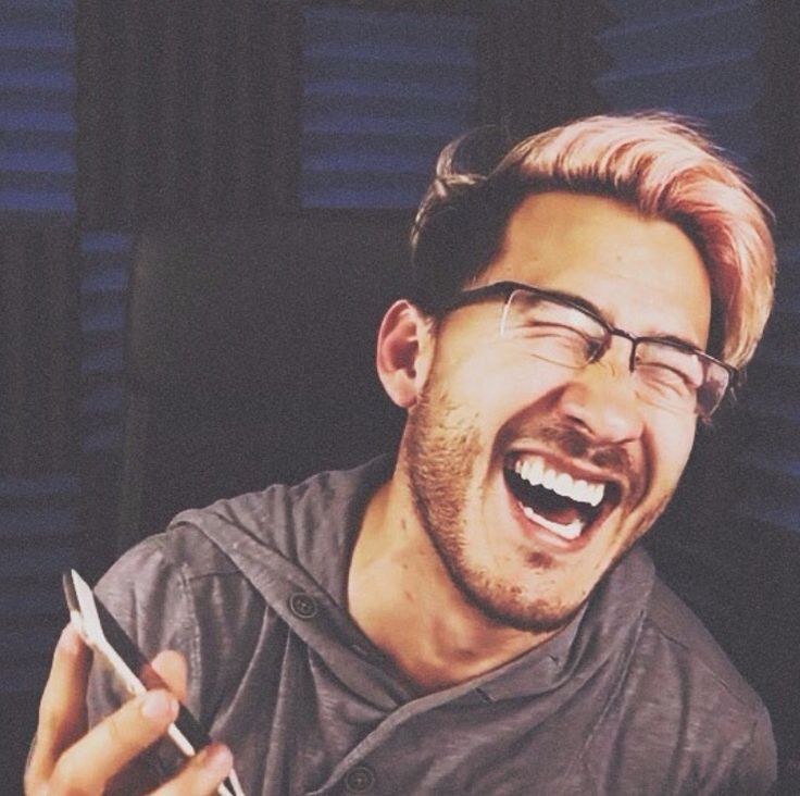 Happy Birthday to my little markimoo, you're an amazing person and so are your videos they put a smile on my face when most people can't. Hope you have a good day, love ya