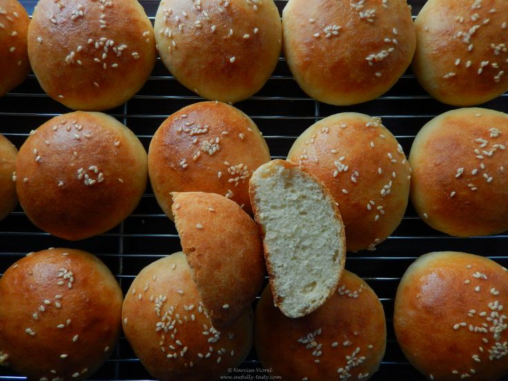 Chifle pufoase cu unt.  Soft butter rolls, Hamelman.