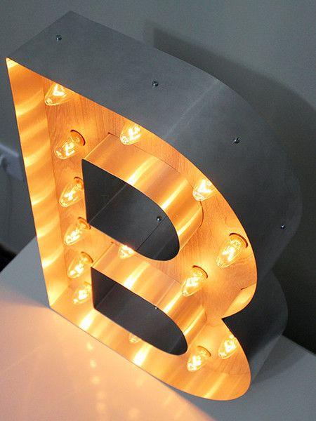 Luminária Retrô Letra B 45cm