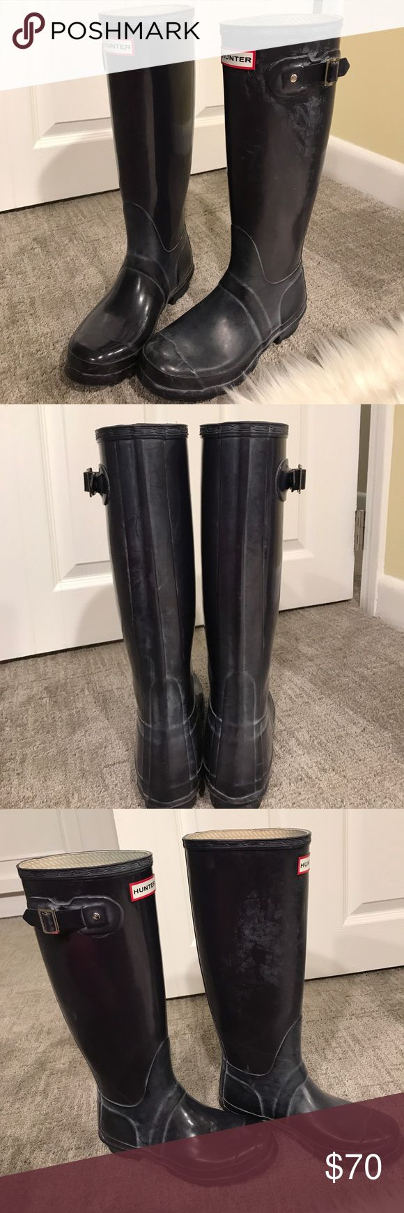 HUNTER BOOTS EGGPLANT SIZE 5 Hunter boots color: eggplant/deep purple so beautiful!! Size 5 in women's! Only worn a few times in great condition! Has the white fading that comes with a lot of hunter boots but hunter sells a cleaner to get rid of I️t or you can just scrub I️t away! Great staple to have. Make me an offer! Can bundle for discounts! Hunter Boots Shoes Winter & Rain Boots
