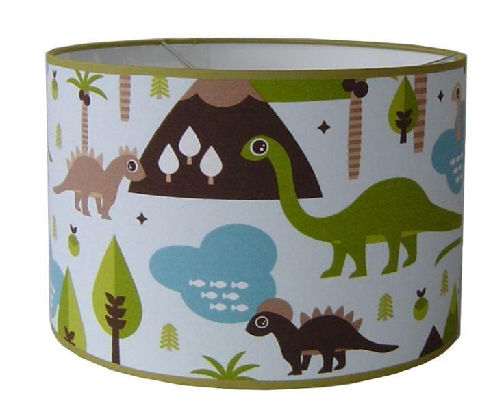 Tover je kamer om in dino thema met onze dino spullen zoals deze mooie kinderlamp met dino's van Designed4kids.
