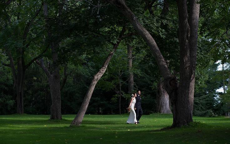 Ottawa Wedding Photojournalist Paul Couvrette. Candid photography of an Ottawa Wedding at the Experimental Farm.