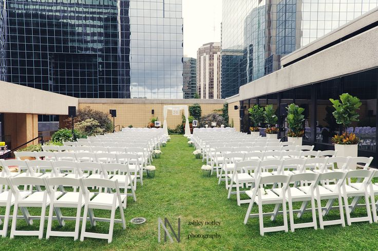 The Delta Ottawa City Centre is ready to host your wedding in the newest, most modern, unique venue in downtown Ottawa.