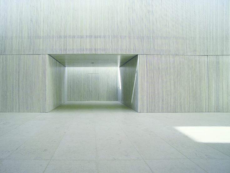 Galería de Cementerio de la ciudad St. Martin / Heidl Architekten - 4