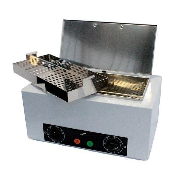 Κλίβανος ξηράς αποστείρωσης (θερμού αέρα) Έχει τα ίδια ακριβώς τεχνικά χαρακτηριστικά με τον κλίβανο TAU 2000 Πρόκειται για ένα συμπαγές μηχάνημα, πλήρως αυτόματο, που εγγυάται ασφάλεια καθώς έχει κατασκευαστεί σύμφωνα με τα διεθνείς κανονισμούς ασφαλείας. Είναι ένα από τους πιο αποτελεσματικούς τρόπους για την θανάτωση όλων των παθογόνων μικροβίων, ακόμα και των πιο ανθεκτικών στη ζέστη Χρησιμοποιείται για αποστείρωση αντικειμένων μέσω θερμού αέρα. http://www.beautymark.gr/131,75 €με Φ.Π.Α