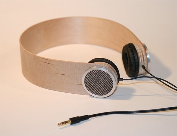 Birch plywood headphones, created by Nico Monterosso