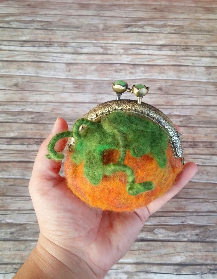 Pumpkin pouche-coin purse / needle felted by HappyFeltingHour on Etsy