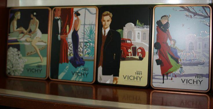 Vichy: eleganza rétro prodotti all'avanguardia. Con due prodotti Vichy in omaggio la scatola in metallo vintage in edizione limitata  che raffigura la storica Spa francese