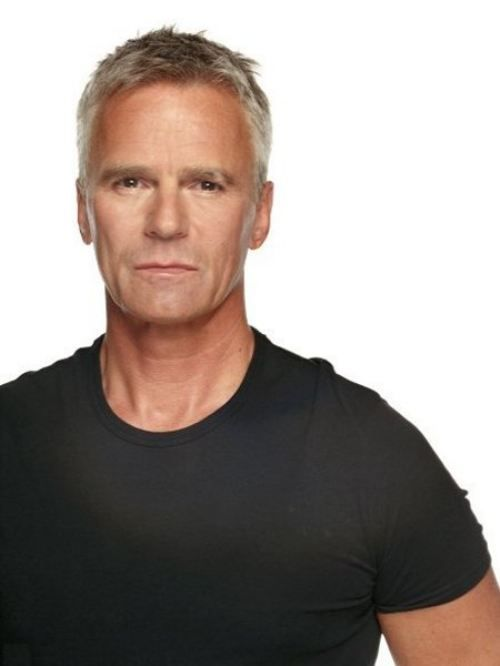 Wow....a little MacGyver......yes please!!!!! I so love this man! Richard Dean Anderson.... Sigh