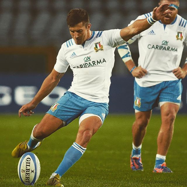 Felice di far parte dei 31 @italrugby per la @rugbyworldcup . Grazie a tutti per i messaggi  #RWC2015 ••• Happy to have been included in @italrugby  31 man team for the @rugbyworldcup . Thanks to everyone for the messages #RWC2015