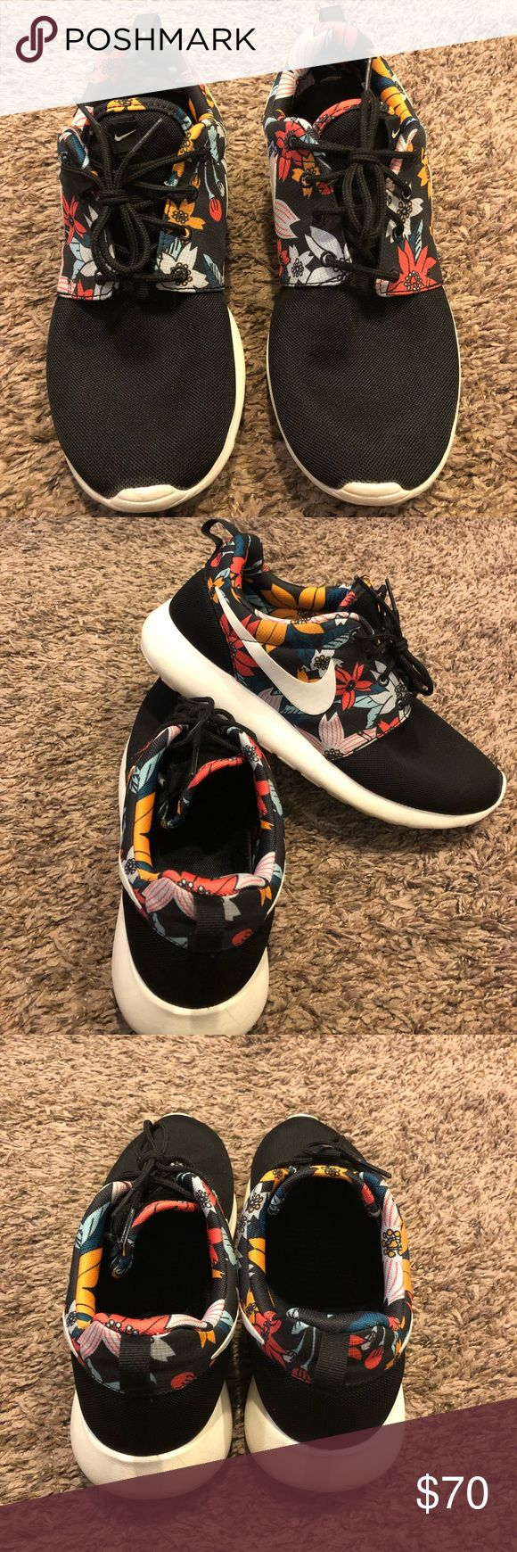 US 9 WOMEN'S NIKE ROSHE FLOWER PRINT RUNNING SHOES Like new. Size Women's US 9. Please note that colors may slightly very due to the settings of your electronic device. Please ask questions before purchasing. Nike Shoes Sneakers