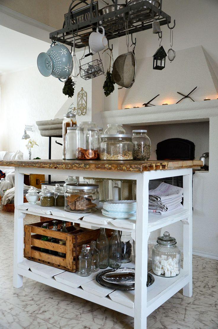 keittiö, rustiikkinen, saareke, säilytysratkaisut
