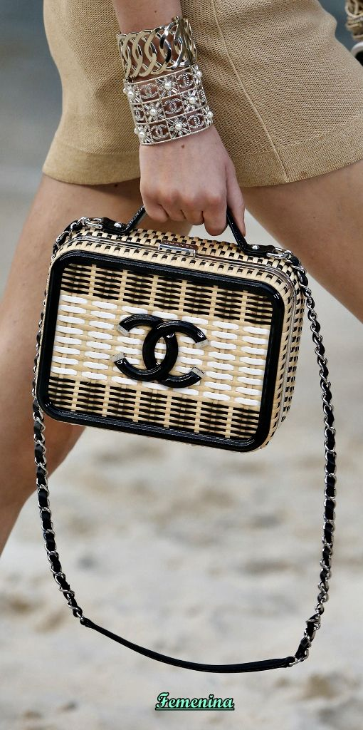 e00dfe0276 Chanel Spring/Summer 2019 RTW -Details #bag | chanel | Chanel ...
