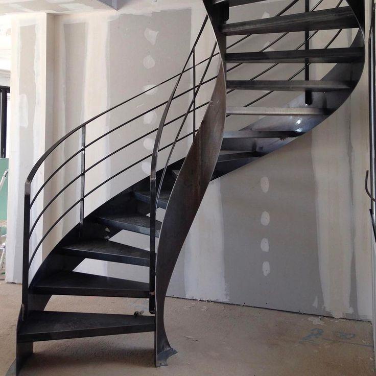 les 265 meilleures images du tableau un escalier tout en acier enti rement m tallique sur. Black Bedroom Furniture Sets. Home Design Ideas