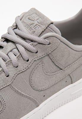Sneakers laag Nike Sportswear AIR FORCE 1 '07 PREMIUM - Sneakers laag - medium grey/offwhite Grijs: € 87,95 Bij Zalando (op 15-7-16). Gratis bezorging & retournering, snelle levering en veilig betalen!