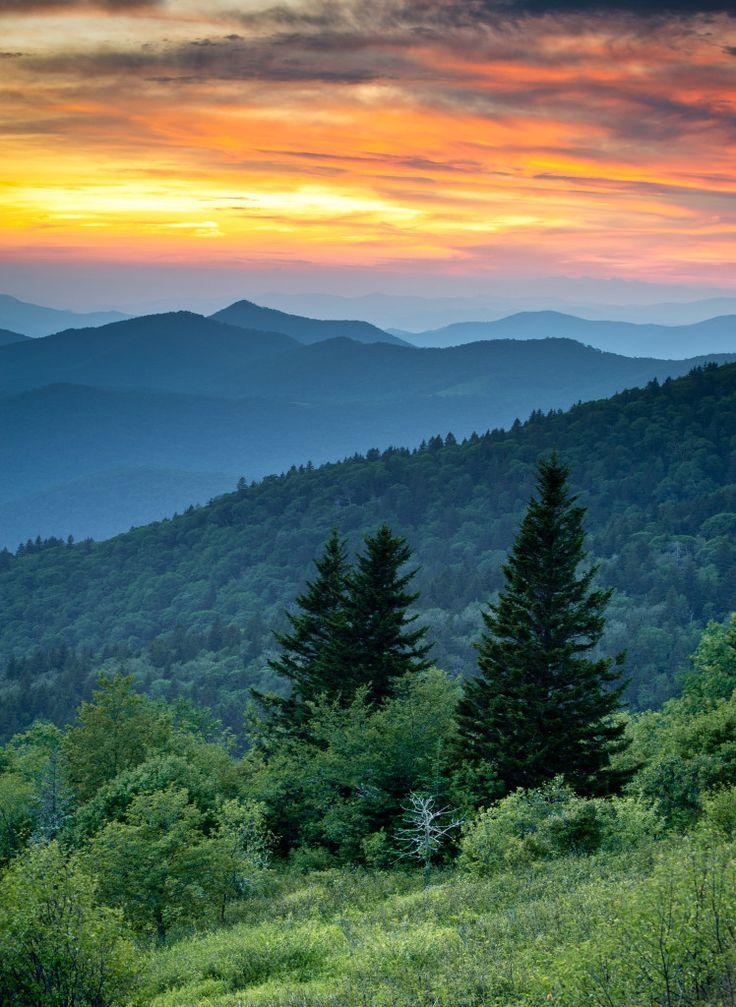 Blue Ridge Parkway: 5 Stops Along America's Favorite Drive