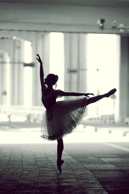 Arabesque silhouette // Ballet Photography by Korea based photographer YoungGeun Kim.